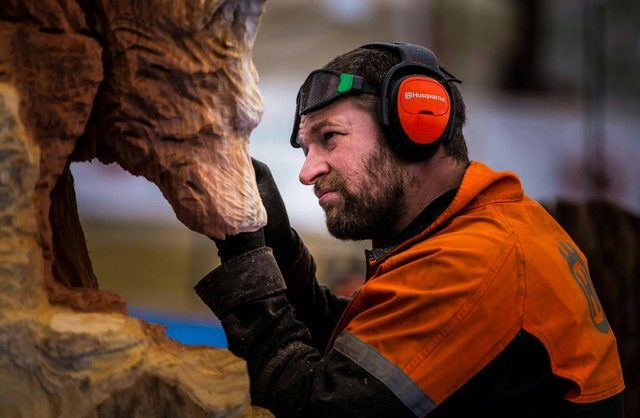 wood sculptor, Simon O'Rourke, Pier Head Village, The Beatles