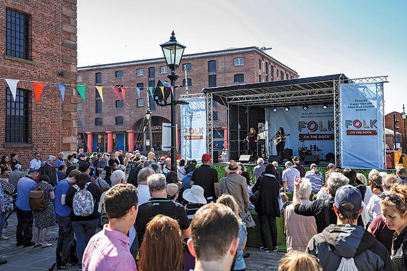 Liverpool outdoor arts & entertainment - Folk on the Dock